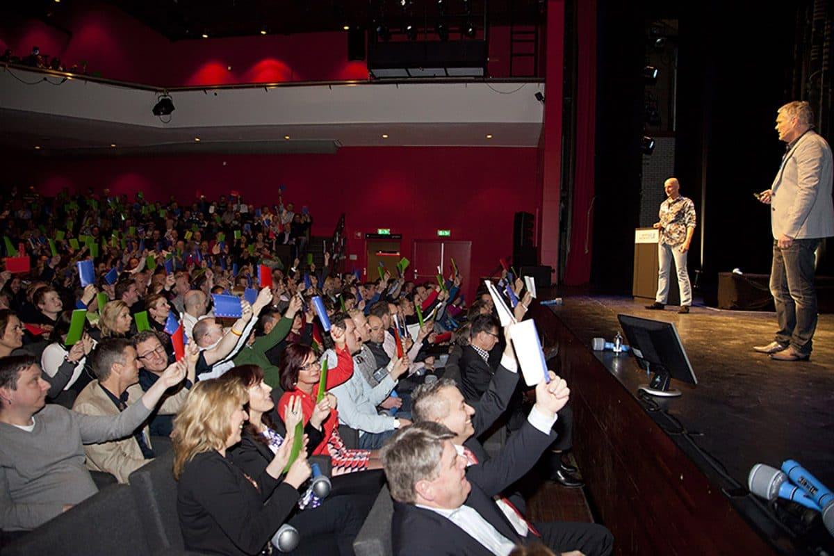 Rob en Joep in de grote zaal theater
